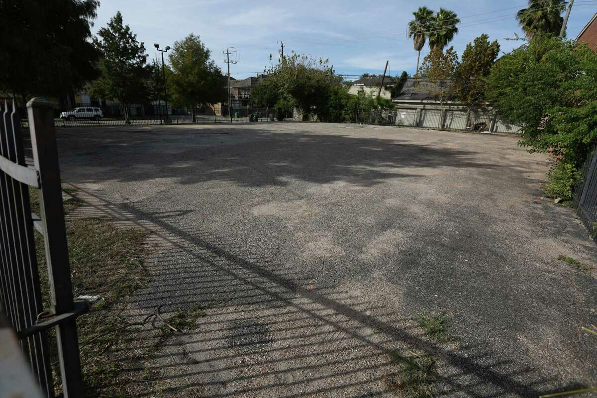 The City of Houston is contemplating spending $1.2 million to buy a 10,000-square-foot lot for a park at 424 Westheimer Road.