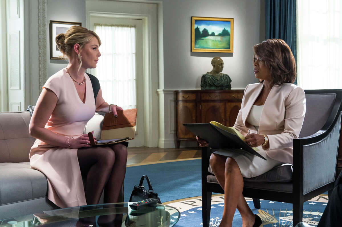 Katherine Heigl as Charleston Tucker (left), Alfrie Woodard as President Constance Payton in the overwrought, implausible