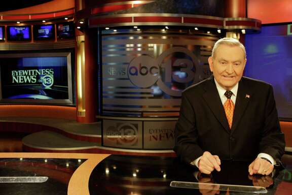 Dave Ward, news anchor, at the anchor desk at Channel 13 Studio in 2011. He will step down from the 10 p.m. broadcast in December.