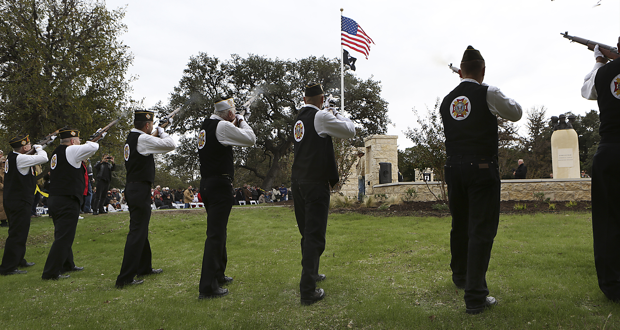 Boerne s revamped Veterans Plaza gets warm welcome from chilly crowd -  ExpressNews.com 36d991684