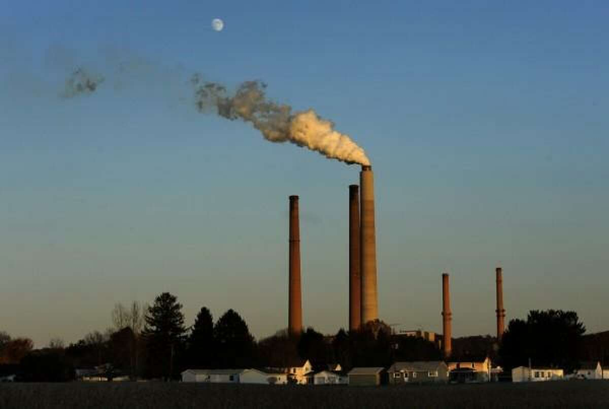 The Trump administration has tried to rescue the coal industry, as aging polluting coal-fired power plants shut down across the country. Attorney General Bob Ferguson wants to open up records of how they're going about it. .