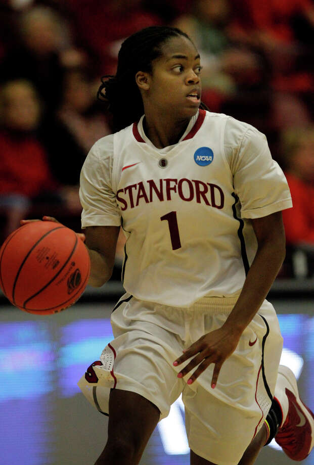 Stanford guard Lili Thompson says coach Tara VanDerveer's new approach is fast-paced, aggressive and a lot of fun. Photo: Brant Ward / The Chronicle / ONLINE_YES