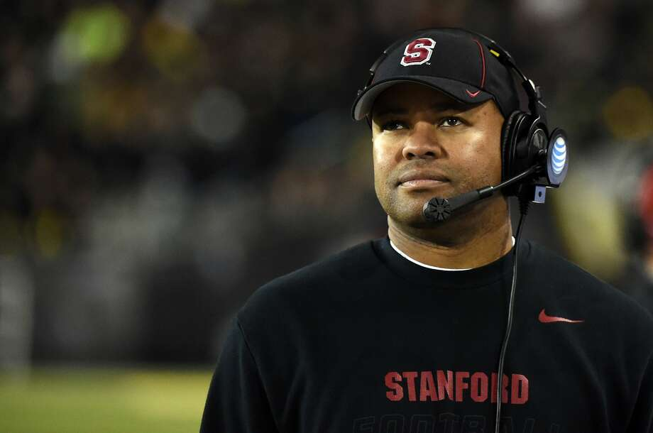 EUGENE, OR - NOVEMBER 1: Head coach David Shaw looks up at the scoreboard during the fourth quarter of the game against the Oregon Ducks at Autzen Stadium on November 1, 2014 in Eugene, Oregon. The Ducks won the game 45-16. (Photo by Steve Dykes/Getty Images) Photo: Steve Dykes, Getty Images