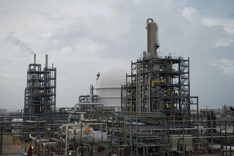 Dow Chemical is expanding its complex in Freeport, although it also plans to sell some of its facilities there.