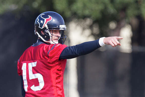 Ryan Mallett asserts himself at practice Wednesday as he prepares for the first starting assignment of his NFL career.