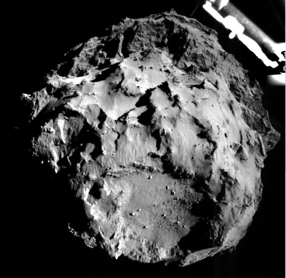 DARMSTADT, GERMANY - NOVEMBER 12:  (EDITORIAL USE ONLY) This November 12, 2014 handout photo provided by the European Space Agency (ESA) shows comet 67P/CG acquired by the ROLIS instrument on the Philae lander during descent on November 12, 14:38:41 UT from a distance of approximately 3 km from the surface. The landing site is imaged with a resolution of about 3m per pixel. ROLIS (ROsetta Lander Imaging System) is a descent and close-up camera on the Philae Lander. ESA later successfully landed Philae, making it the first man-made craft to ever land on a comet. The Philae lander, launched from the Rosetta probe, is a mini laboratory that will gather data on the comet. (Photo ESA via Getty Images) *** BESTPIX *** Photo: Handout, Handout / 2014 European Space Agency (ESA)