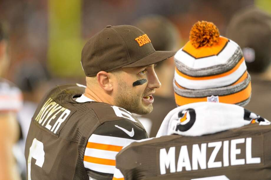 CLEVELAND, OH - OCTOBER 26: Quarterback Brian Hoyer #6 talks to quarterback Johnny Manziel #2 of the Cleveland Browns during the second half against the Oakland Raiders at FirstEnergy Stadium in Cleveland, Ohio. The Browns defeated the Raiders 23-13. (Photo by Jason Miller/Getty Images) Photo: Jason Miller, Getty Images