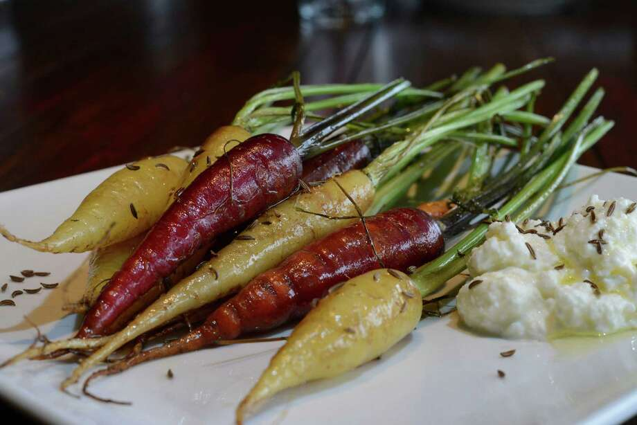 Roasted carrots Photo: Billy Calzada /San Antonio Express-News / San Antonio Express-News
