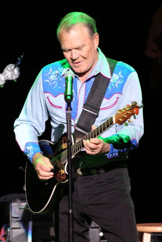 "Glen Campbell performs during the Goodbye Tour in a scene from ""Glen Campbell: I'll Be Me."" Photo: Courtesy Of PCH Films. / ONLINE_CHECK"