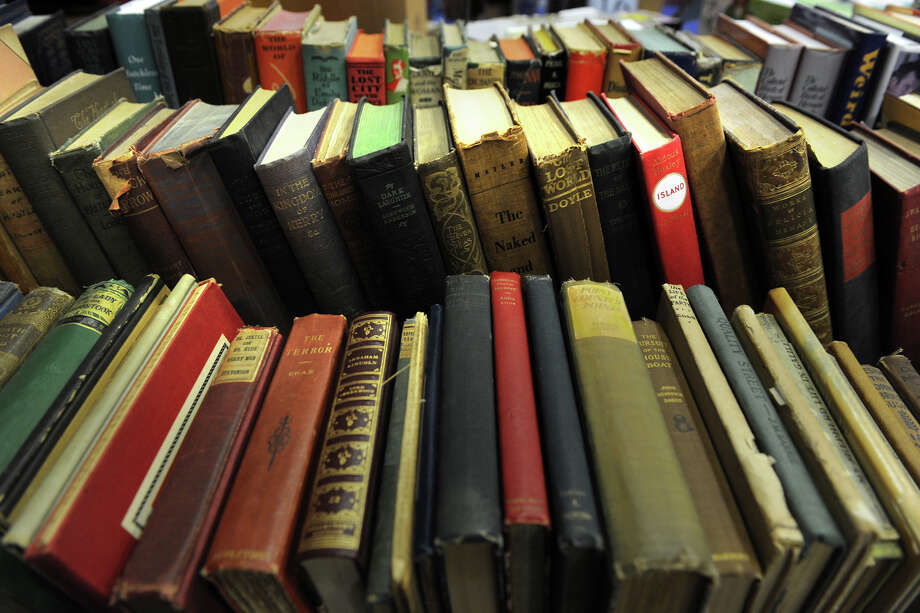 The New Canaan Library's winter book sale will run Dec. 5 though Dec. 7. Photo: Ned Gerard / Connecticut Post