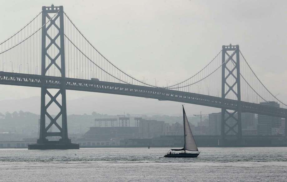 Caltrans has a new plan to fix damage on the western span of the Bay Bridge. Photo: Paul Chinn / Paul Chinn / The Chronicle / ONLINE_YES