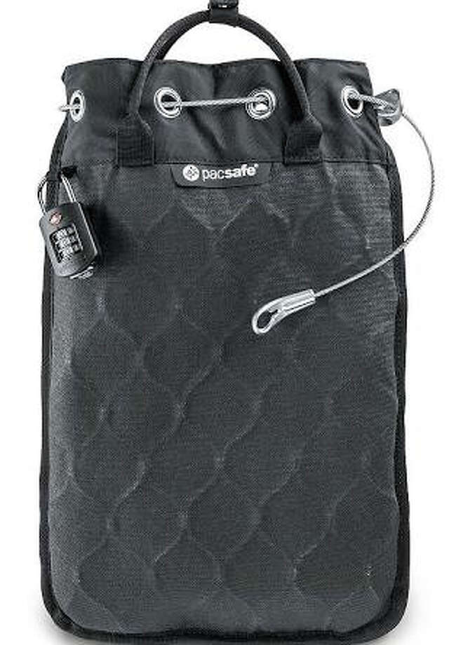 Travelsafe 5L GII Portable Safe by Pacsafe Photo: Pacsafe / ONLINE_YES