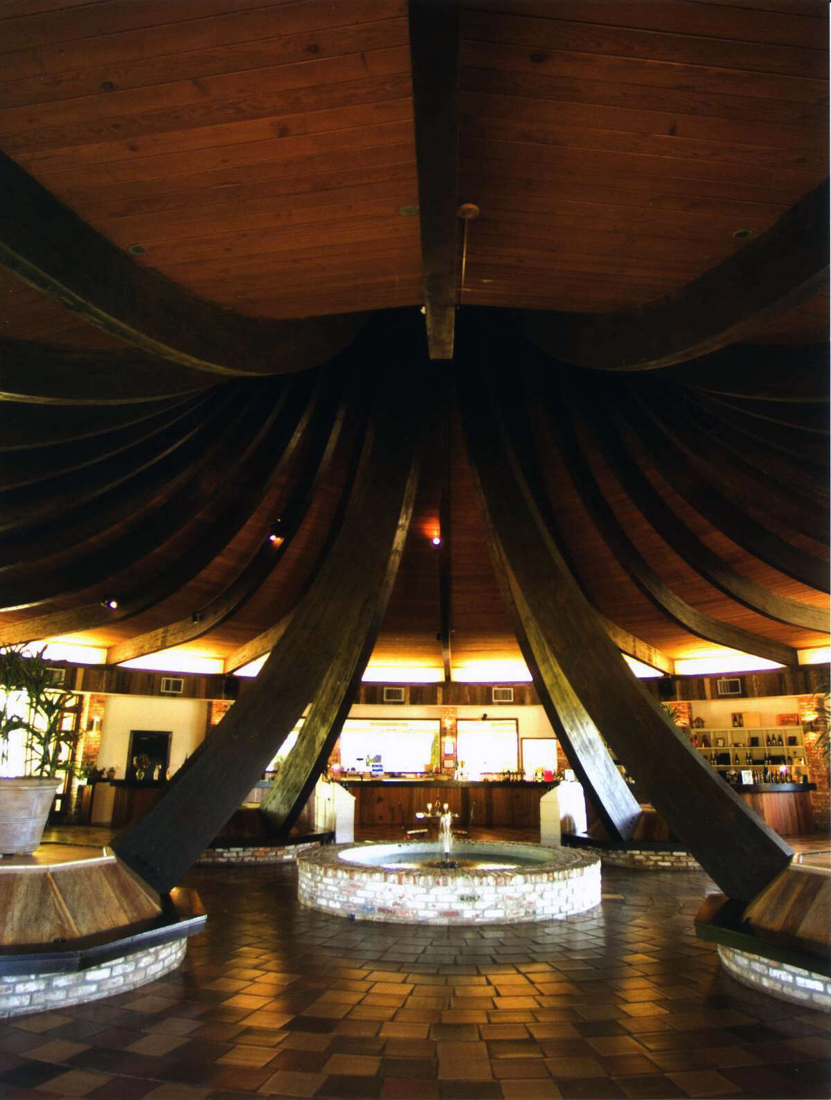 A 40-foot ceiling caps the 5,000-square-foot tasting room at Barra of Mendocino winery.
