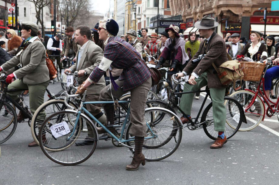 The new edition of this venerable bicycle institution is organized by Melissa of Bike Pretty. It's a sartorial celebration–by bike–for riders of different ages, types, and skill levels to enjoy. Don your most dapper woolens. Ride with the most dashing dames and dandies as we tour San Francisco in fine, two-wheeled style. Photo: Bike Pretty / ONLINE_YES
