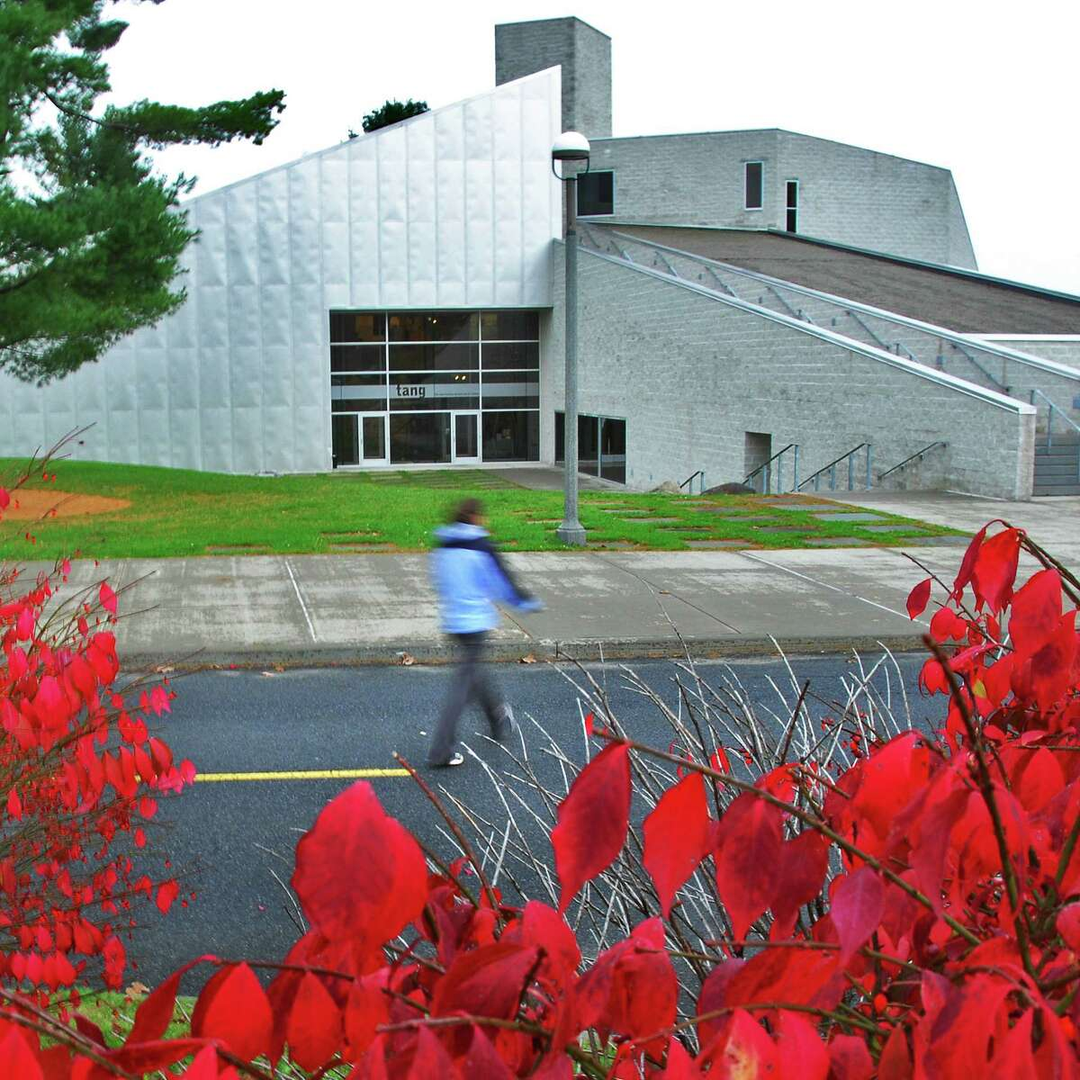 Times Union staff photo by John Carl D'Annibale: A student passes by Skidmore College's Tang Museum in Saratoga Springs Thursday morning November 1, 2007. FOR SARATOGA SEEN BLOG