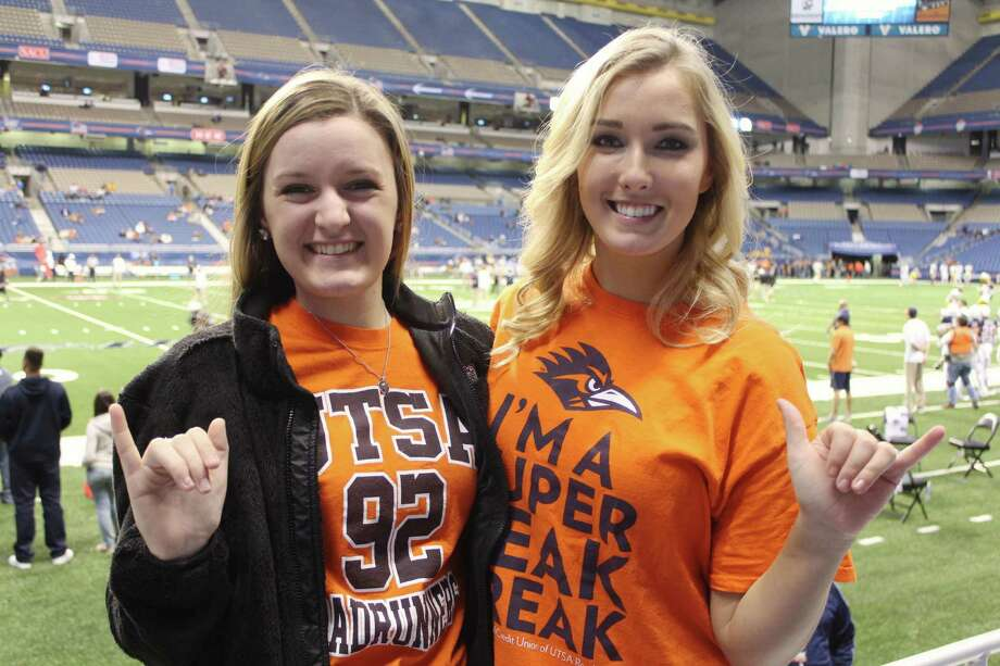 UTSA fans had a great time watching the Roadrunners beat Southern Miss with a late field goal in the last few seconds of the game at the Alamodome on a cold Thursday night. Photo: By Yvonne Zamora, For MySA.com