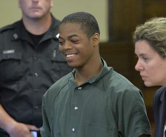 Defendant Xavier Parker is arraigned on manslaughter charges in Rensselaer County Court Monday morning, Aug. 5, 2014, in Troy, N.Y.  (Skip Dickstein/Times Union) ORG XMIT: MER2014111408433701 Photo: SKIP DICKSTEIN