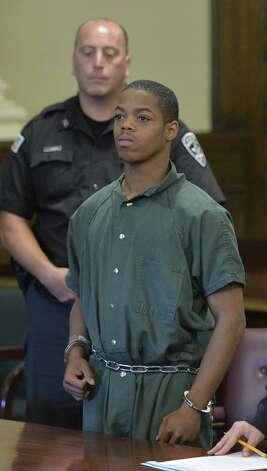 Defendant Xavier Parker is arraigned on manslaughter charges in Rensselaer County Court Monday morning, Aug. 5, 2014, in Troy, N.Y.  (Skip Dickstein/Times Union) ORG XMIT: MER2014111408434702 Photo: SKIP DICKSTEIN