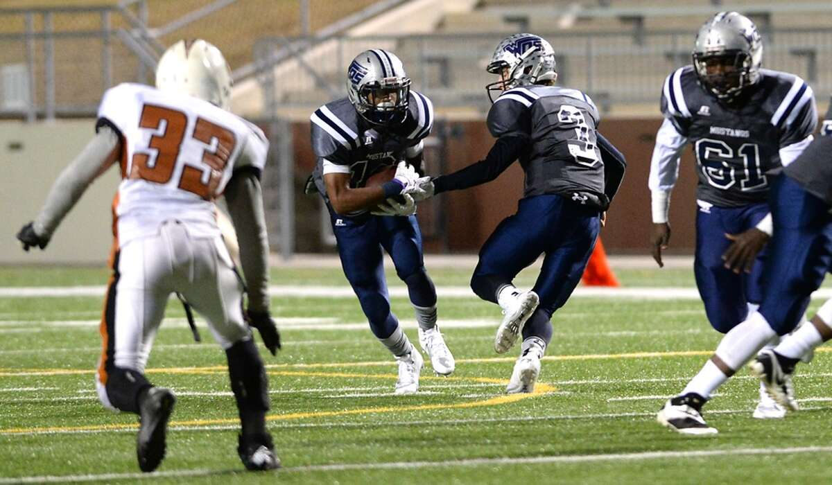 Storylines to watchShort rest Not that West Orange-Stark or Cuero will be complaining after whoever wins the Class 4A Division II semifinal - they'll advance to next week's state championship game. But with the meeting Saturday afternoon and the final the following Friday, the winner has a short week. The other semifinal (Celina-Gilmer) is Friday in Mesquite.
