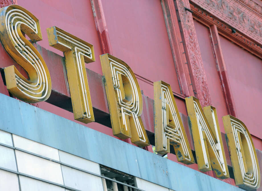 Developers propose residences and hotels near the old Strand Theatre.√ Photo: Michael Short 2013 / Special To The Chronicle / ONLINE_YES