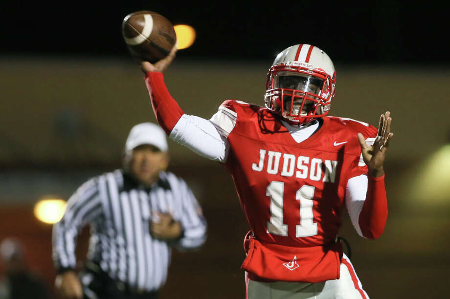 Judson quarterback Julon Williams passes the ball during the first half of their Class 6A Division I bidistrict game with Churchill at Rutledge Stadium on Friday, Nov. 14, 2014. Photo: Marvin Pfeiffer / Marvin Pfeiffer / San Antonio Express-News / EN Communities 2014