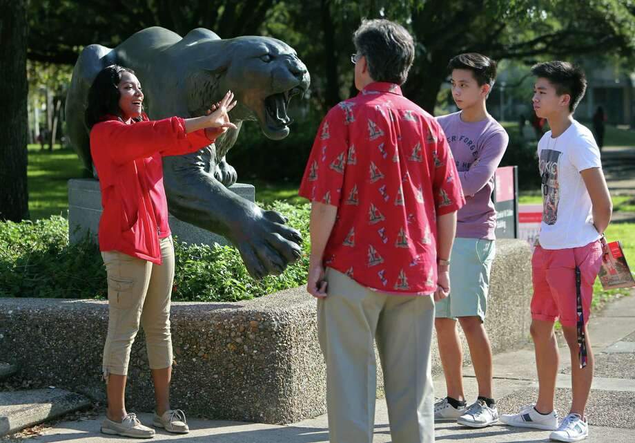 QUOTES: Meanest Houston reviews left on Rate My ProfessorSchool: University of HoustonQuality rating: 3.9Professor rating: 3.7Source: Rate My Professor Photo: Mayra Beltran, Staff / © 2014 Houston Chronicle
