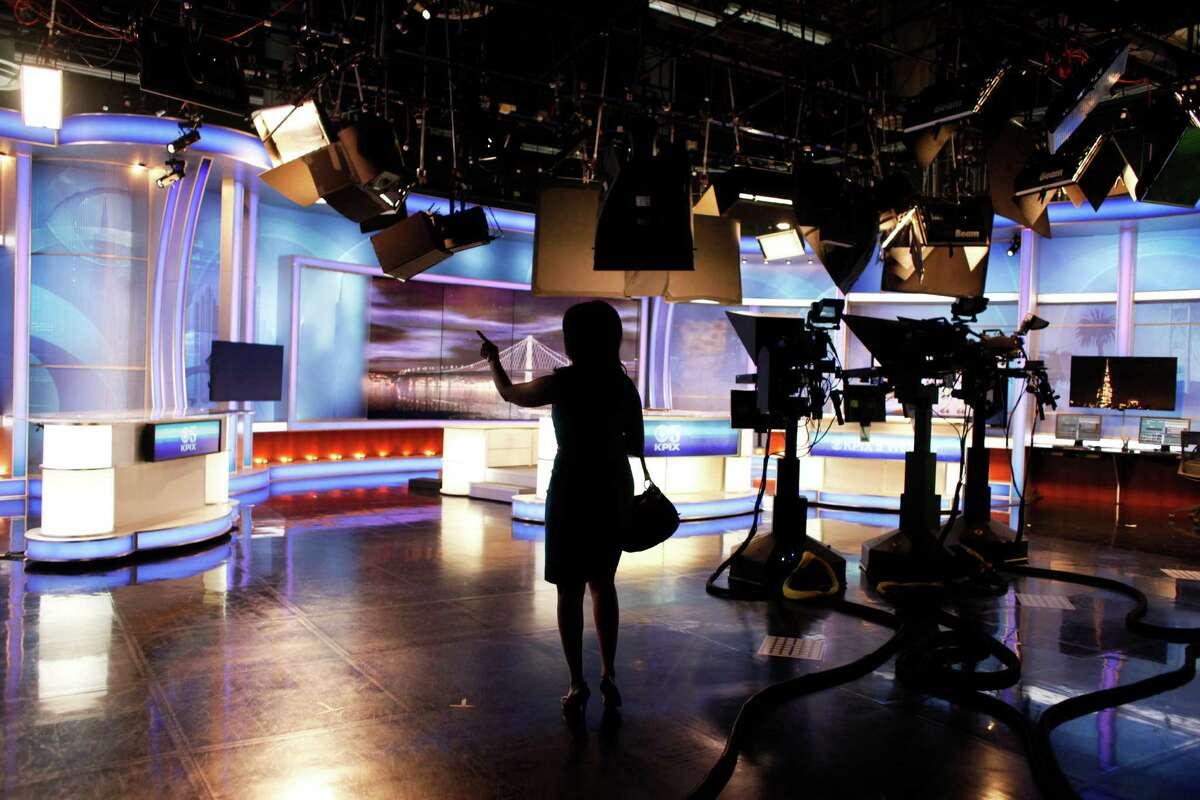 Anchor Veronica De La Cruz walks onto the set of the 6pm KPIX 5 newscast at KPIX's Studios on November 11, 2014 in San Francisco, Calif.