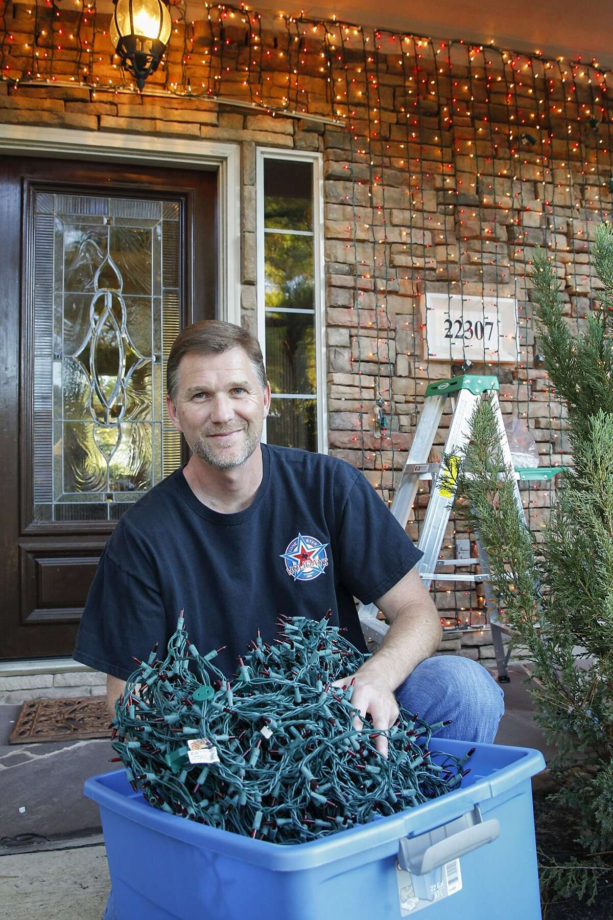 Greg Hoover of Cinco Ranch spends weeks decorating his house for the holidays.Greg Hoover of Cinco Ranch spends weeks decorating his house for the holidays.