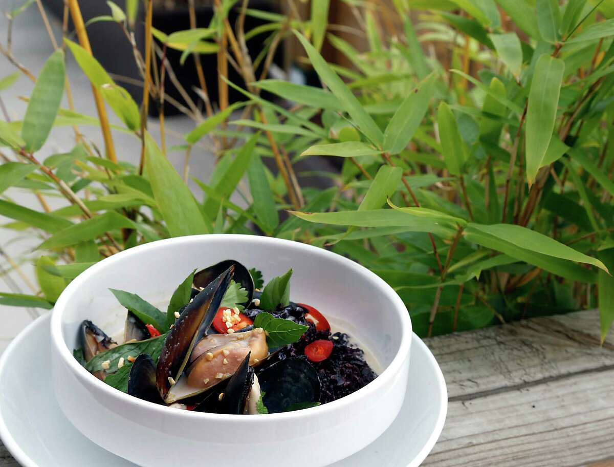 Lillo & Ella's Malay Curried Mussels