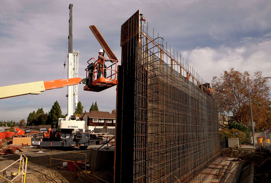 The overhead support system to hold the BART tracks is being constructed above Berryessa Road as the Berryessa BART Station is built. Officials say a truncated line is more likely to win federal funding. Photo: Michael Macor / The Chronicle / ONLINE_YES