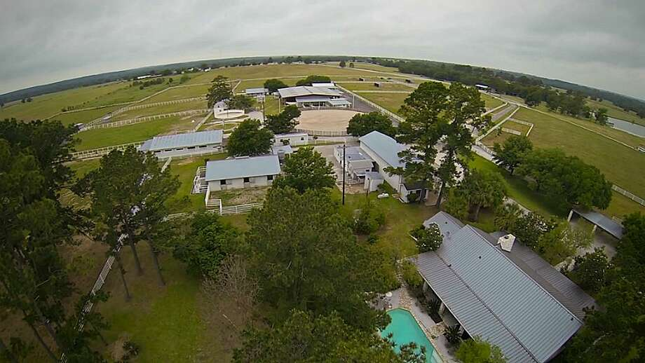 10285 Sanders Ranch Road Richards, Texas 77830      $3,950,000 / 3 Bedrooms / 3 Full Bathrooms Photo: Houston Association Of Realtors