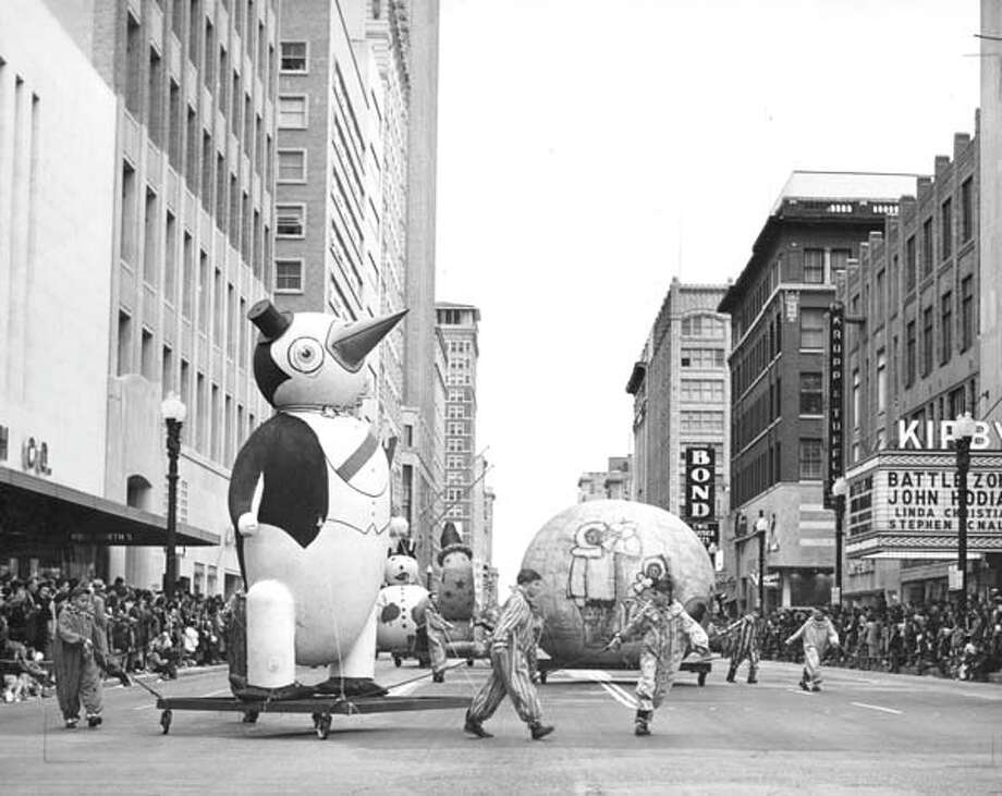 1952 |Penguin and pals at the Foley's Thanksgiving Day Parade. Photo: Chronicle File / Houston Chronicle