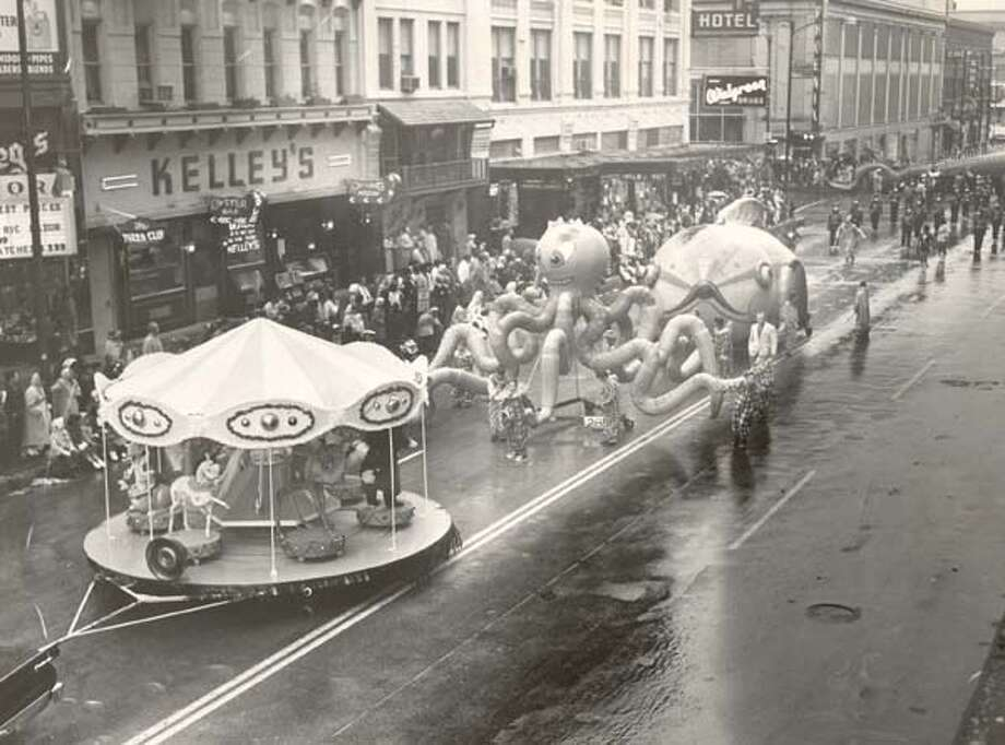Foley's Thanksgiving Day Parade, 1958 Photo: Chronicle File / Houston Chronicle