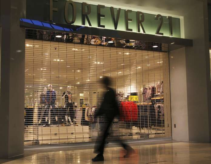 Forever 21 opens at 11 p.m. in North Star Mall on Thanksgiving Day ...