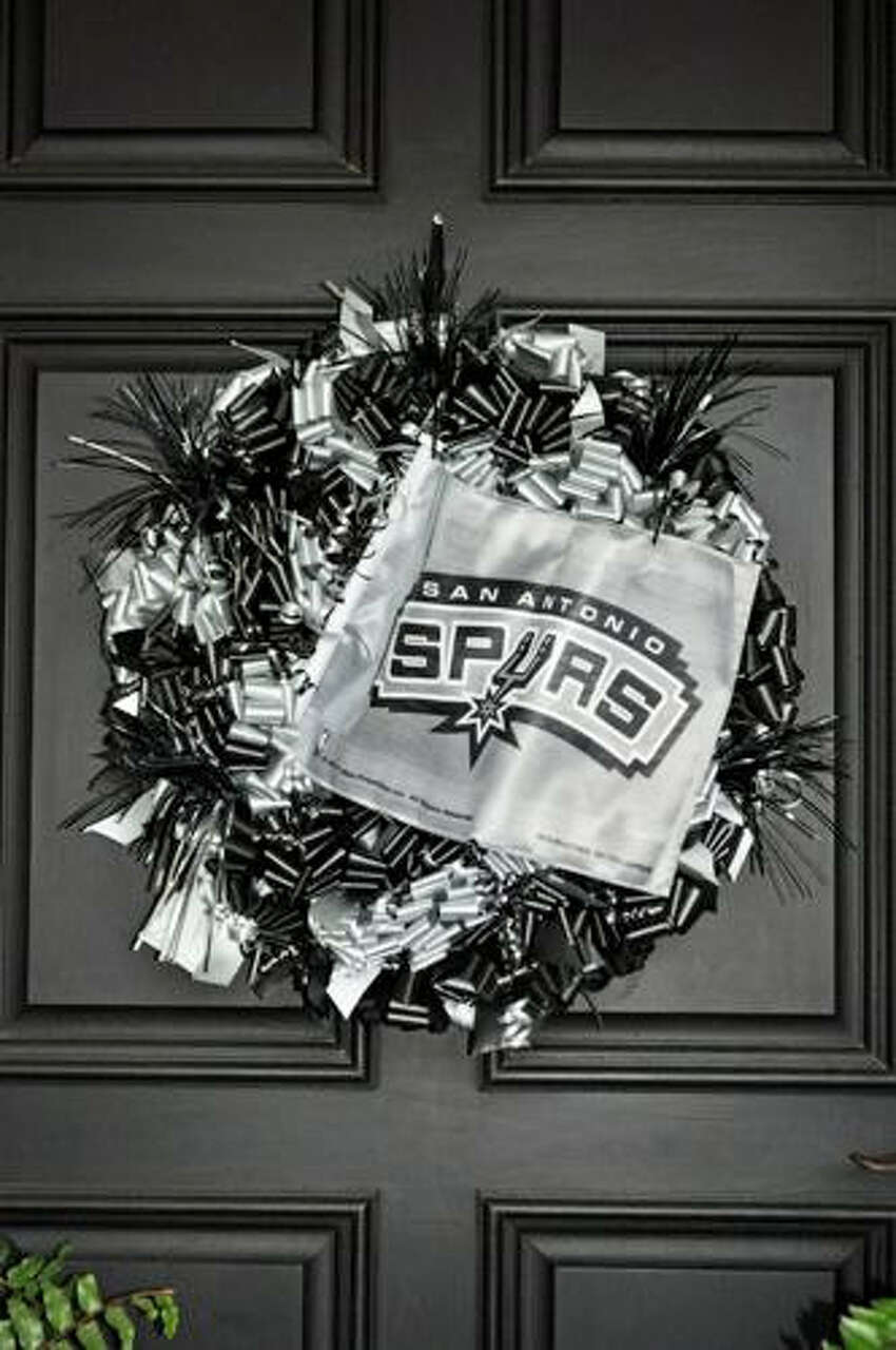 More than a few houses in S.A.'s fancy 'hoods might don this $116 wreath by Bonnie Harms Designs.
