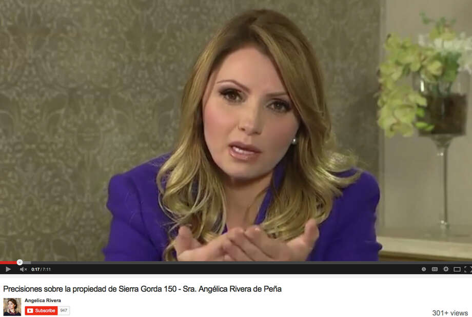 Angélica Rivera describes in a recorded statement how she financed the mansion's purchase. Photo: Associated Press / YouTube video via www.angelicari