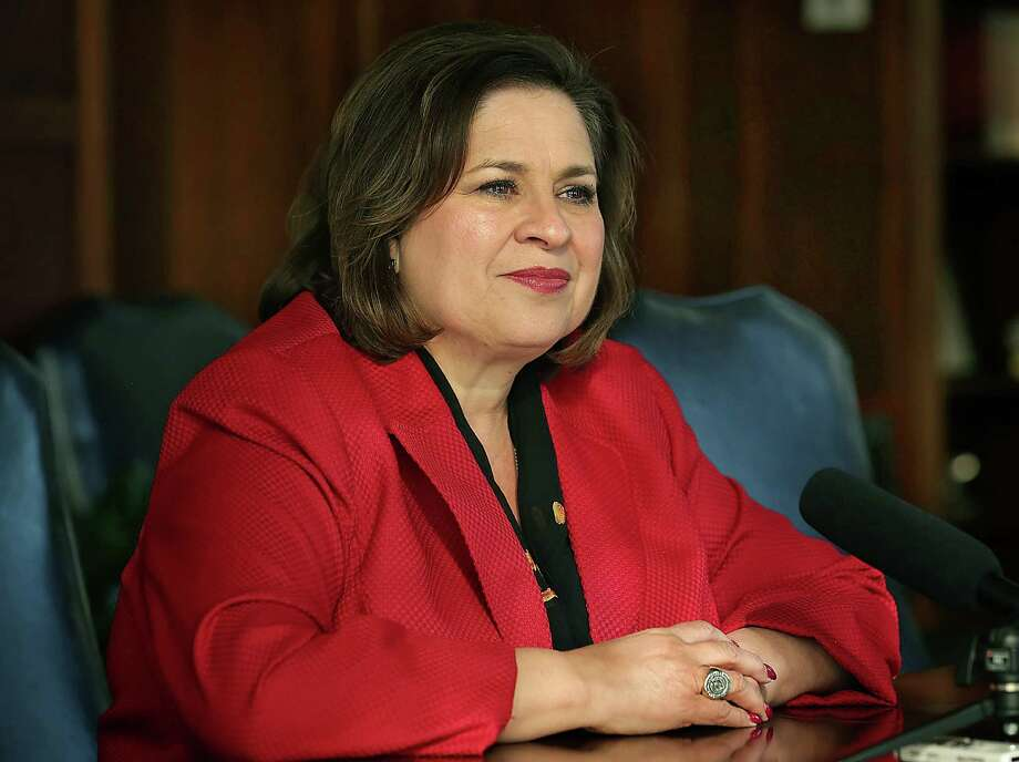 Texas Senator Leticia Van de Putte speaks with reporters about her decision to run for Mayor of San Antonio.  Wednesday, Nov. 19, 2014. Photo: BOB OWEN, San Antonio Express-News / © 2014 San Antonio Express-News