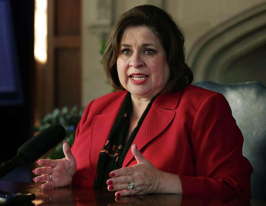 Texas Senator Leticia Van de Putte speaks with reporters about her decision to run for Mayor of San Antonio.  Wednesday, Nov. 19, 2014. Photo: BOB OWEN, San Antonio Express-News / © 2014 San Antonio Express-News