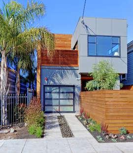 John Newton designed this three-bedroom contemporary at 1370 34th St. in Oakland.