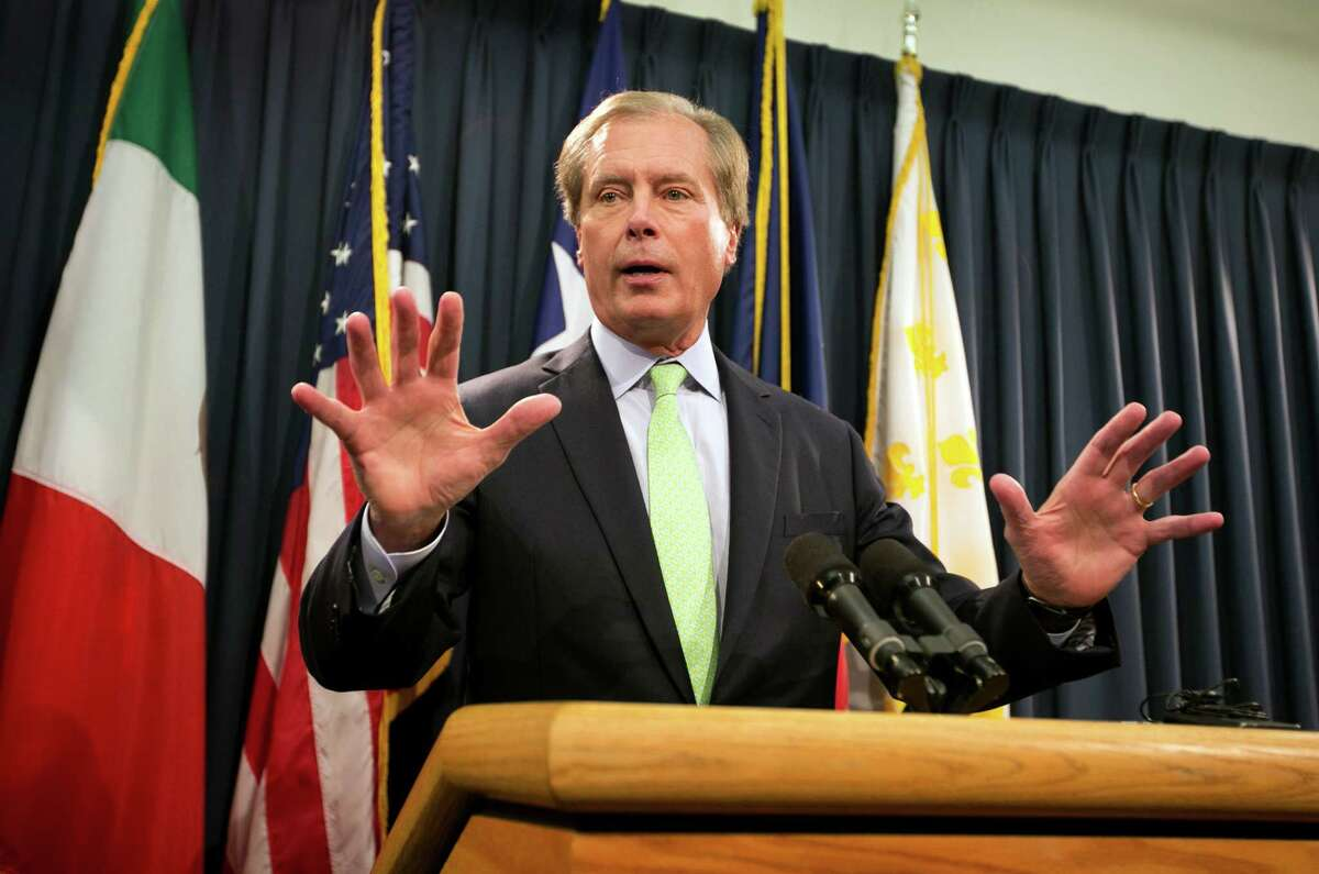 Texas Lt. Gov. David Dewhurst said Wednesday that a mix of additional state troopers and technology will replace the Texas National Guard that deployed to the Rio Grande Valley this summer.