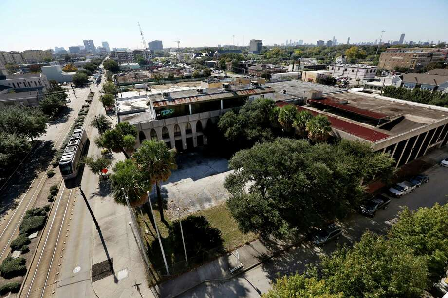 "The proceeds of the sale of this property near the METRORail red line will likely go to neighborhood redevelopment and transformation into a ""superblock."" Photo: Gary Coronado, Staff / © 2014 Houston Chronicle"