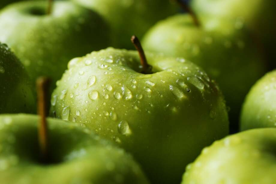 A Apple crisps, pies and salads benefit from a little fresh citrus juice, such as lemon or orange, to add spark. For salads/desserts that use raw apples, select a variety, such as Gala, Braeburn, Fuji, Winesap, Pink Lady or Cortland. For pies or crisps, Empire, Ginger Gold, Braeburn, Jonathan, Jonagold, Golden Delicious, Northern Spy and Newtown Pippin work well. Photo: Tim Green, Getty Images/Flickr RF