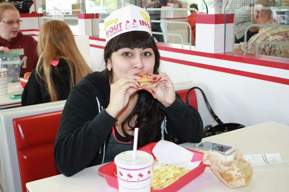 Fans of In-N-Out enjoy opening day at the first store in San Antonio on Thursday, Nov. 20, 2014. Photo: Julie Ruff/San Antonio Express-News