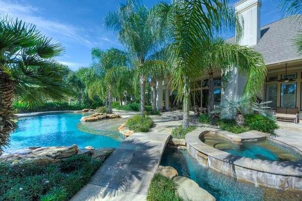 37307 Diamond Oaks Drive Magnolia, Texas 77355        $24,500,000 million / 3 full bathrooms