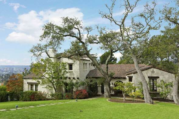 2201 Bywood Drive in Oakland was built in 1934 by Edwin Huddleson.