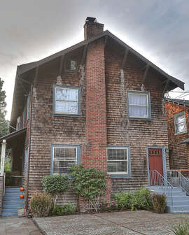 2628 College Ave. is a two-bedroom unit inside a Craftsman designed by Lenola Hall in 1908.