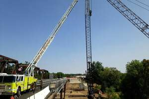 State fines Burlingame firm over 2 crane deaths - Photo