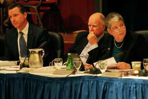 Jerry Brown's UC tuition battle may boomerang - Photo