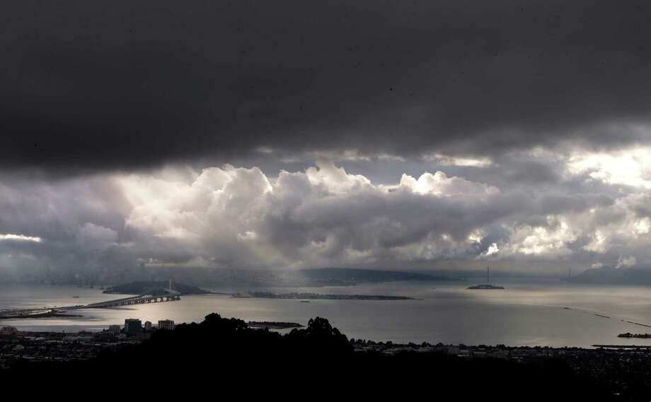 A break between rain showers over San Francisco Bay as seen from Grizzly Peak in the Berkeley on Nov. 20, 2014. Photo: Michael Macor / The Chronicle / ONLINE_YES