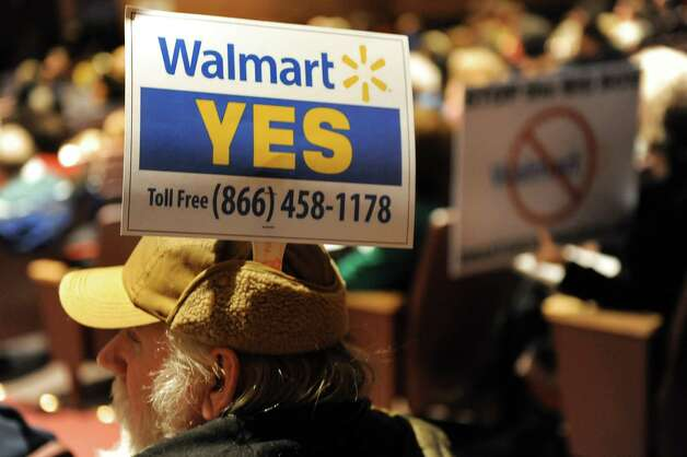 Resident Scott Underwood shows his support during a public hearing on a proposed 137,000 square-foot Walmart on Thursday, Nov. 20, 2014, at Ballston Spa High in Ballston Spa, N.Y. (Cindy Schultz / Times Union) Photo: Cindy Schultz / 00029572A